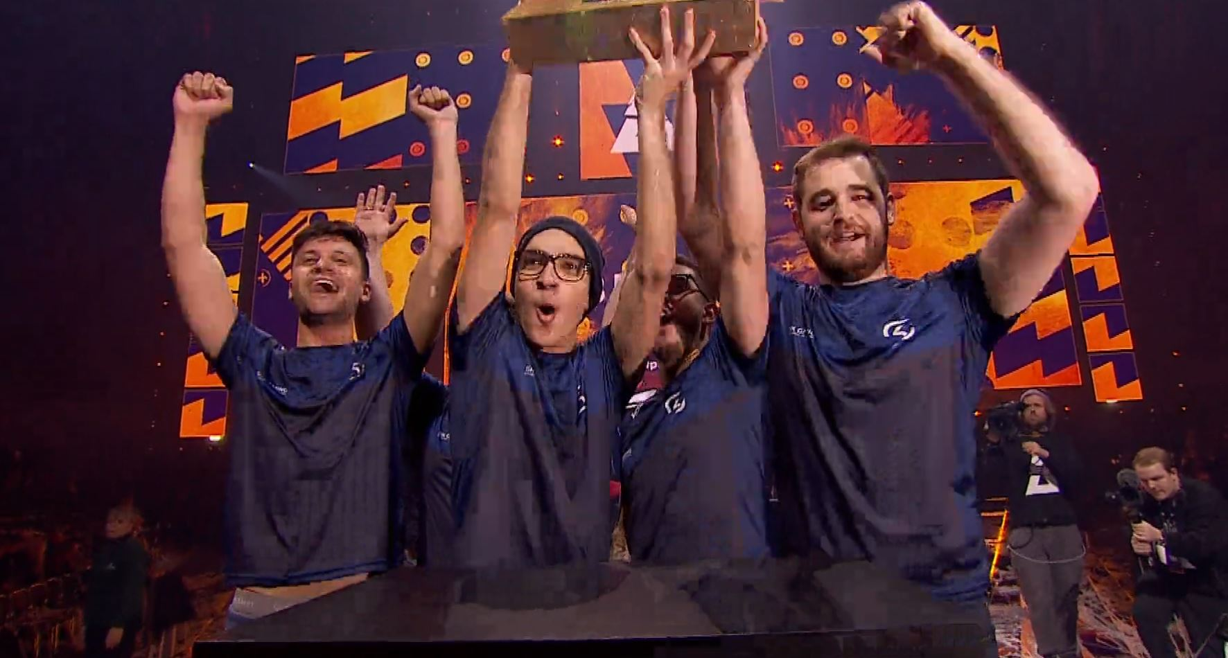 Photo of SK-Gaming Wins CS:GO Blast Pro Series By Beating Astralis After a Huge Comeback
