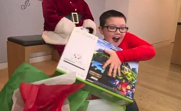 Photo of 9-Year-Old Donated Xbox Console to Those Who Needed It, Microsoft Responded With a Special Gift