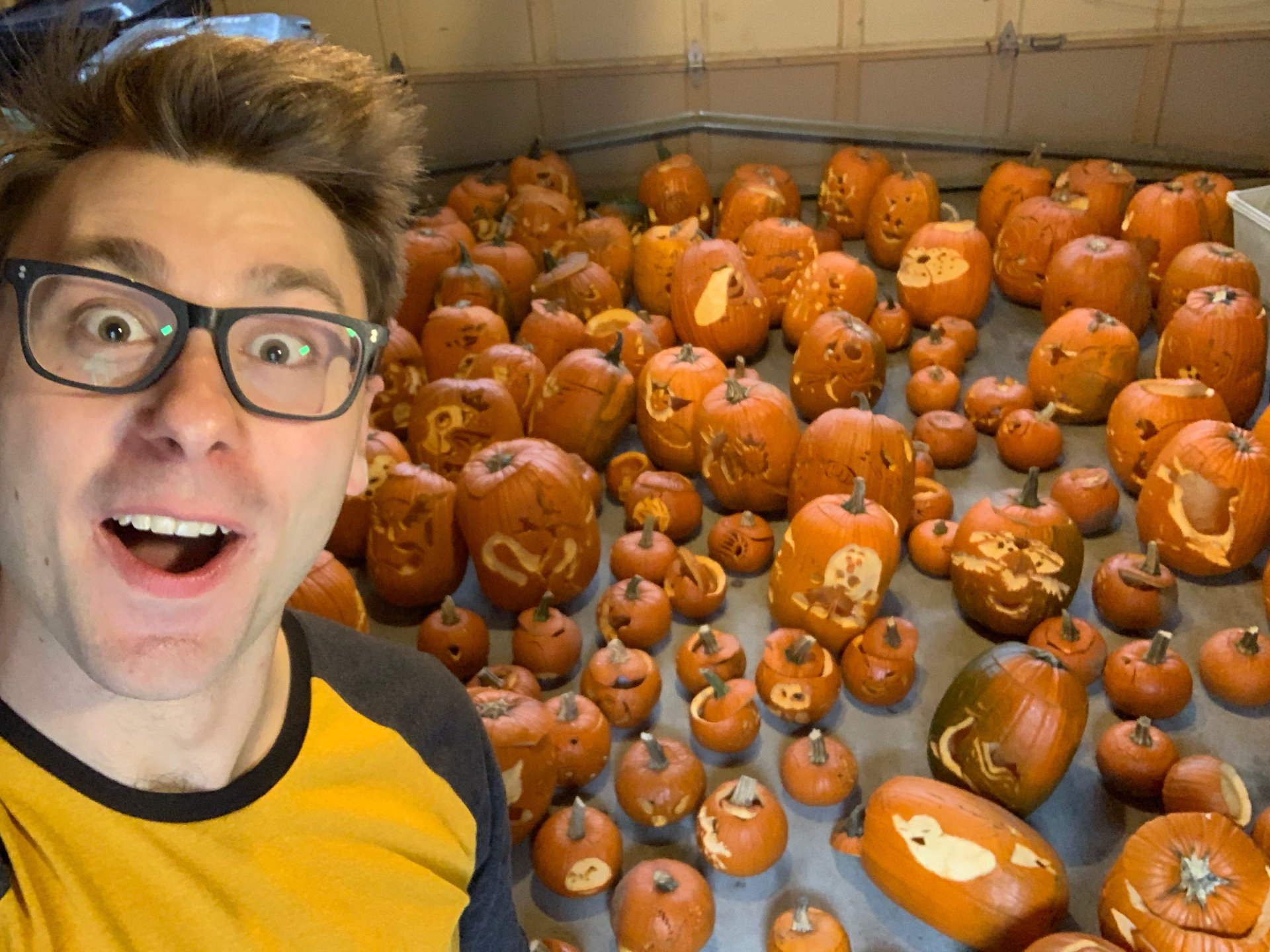 Photo of Pokemon Fan Spent 6 Days Carving All 151 Pokemon and Won Halloween