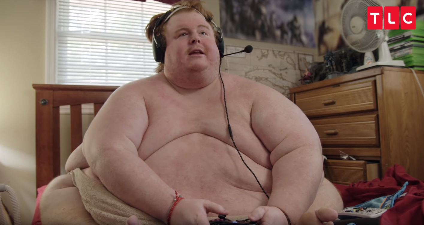 Photo of Casey King the 700 lbs Guy who Loves Junk Food and Plays Video Games Naked